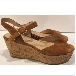 Dv dolce vita flatforms size 9.5 brown suede cork